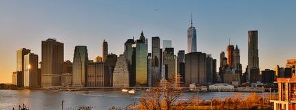 曼哈顿日落美好的地平线 库存照片