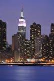 曼哈顿晚上场面 图库摄影