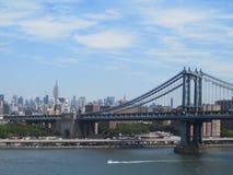 曼哈顿桥梁& East河在纽约 库存照片