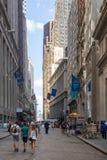 曼哈顿的财政区的华尔街在纽约 库存图片