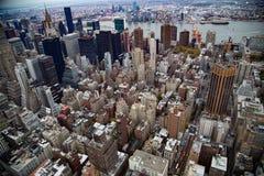 曼哈顿街市天空的视图 免版税库存照片