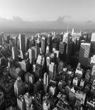 曼哈顿街道和屋顶  免版税库存图片