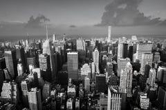 曼哈顿街道和屋顶  库存图片