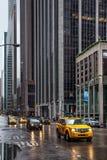 曼哈顿街道在一个雨天 图库摄影