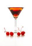 曼哈顿鸡尾酒装饰用樱桃 库存图片