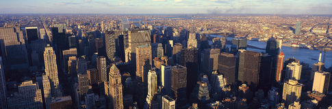 曼哈顿,纽约,与哈得逊河,从Weehawken, NJ的射击的NY地平线全景  免版税图库摄影