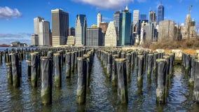 曼哈顿从布鲁克林的地平线视图 免版税库存图片