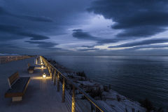 曼弗雷多尼亚小游艇船坞在蓝色小时内 图库摄影