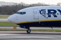 曼彻斯特,英国- 2014年2月16日:瑞安航空公司波音7 库存图片