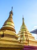 曼德勒小山的,缅甸2金黄塔 免版税库存照片