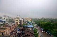 曼德勒市都市风景,当rainning时间在曼德勒,缅甸时 免版税库存图片