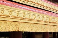 曼德勒被雕刻的王宫木头,曼德勒,缅甸 免版税库存照片