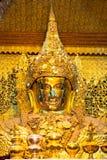 曼德勒,缅甸最巨大的菩萨雕塑  库存照片