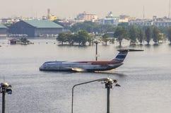 廊曼机场在曼谷是水下的 免版税图库摄影