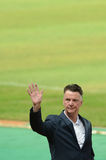 曼联足球俱乐部上司路易斯・范加尔挥动的手 库存照片