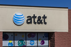 曼西,大约2016年8月:AT&T流动性零售店 AT&T公司 是美国Telecommunications Corporation x 图库摄影