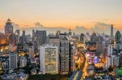 曼谷中心商务区(CBD)在晚上 免版税库存照片