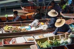 曼谷在saduak泰国附近damnoen浮动的市场 库存图片