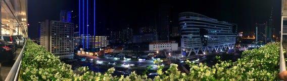 曼谷夜都市风景全景 免版税库存照片