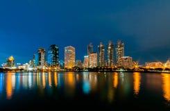 曼谷市晚上 免版税库存照片