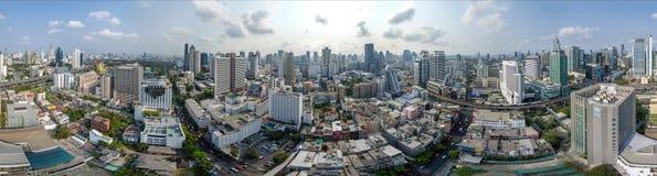 曼谷市360°全景、纳纳和素坤逸路 库存照片