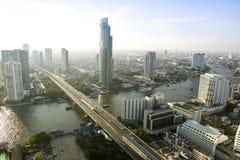 曼谷市4月5日:2015年4月5日的顶视图城市在曼谷 免版税库存图片