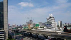 曼谷明确方式和城市视图 库存图片
