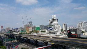 曼谷明确方式和大厦 免版税图库摄影