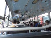 曼谷泰国:公共汽车的人 库存照片