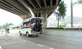 曼谷泰国:微型露天公共汽车 图库摄影