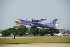 曼谷泰国 2018年1月13日 Nok空气ATR 72 Reg HS-DRD在国内航班的廊曼国际机场离开 免版税库存照片