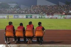 曼谷泰国10月5日:救援队坐椅子在期间 库存图片