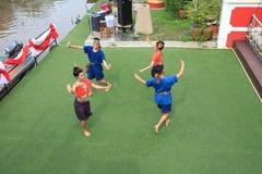 曼谷泰国- 9月21日:未认出的年轻人和妇女danci 免版税图库摄影