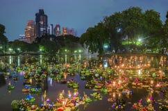 曼谷泰国- 11月25日:Loy Krathong节日 免版税库存图片