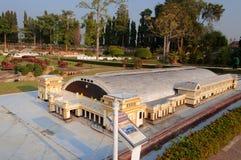 曼谷火车站在微型泰国公园 免版税库存照片