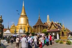 曼谷玉佛寺是鲜绿色菩萨的寺庙,曼谷,泰国 图库摄影