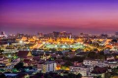曼谷玉佛寺,鲜绿色菩萨的寺庙,盛大宫殿 免版税库存图片