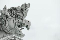 曼谷菩萨鲜绿色garuda kaew phra雕象寺庙泰国wat 库存图片