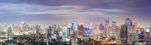 曼谷街市地平线全景 免版税库存照片