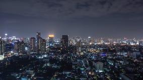 曼谷都市风景在晚上 免版税库存照片