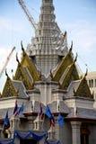 曼谷雨寺庙机械摘要的起重机的泰国亚洲 图库摄影