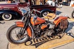 曼谷,泰国, - 2018年3月3日:哈利戴维森摩托车在旧布和显示穿戴显示了在Bangko的音乐节 库存照片