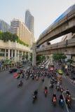 曼谷,泰国, - 2018年1月05日:在Ratchaprasong交叉点的四面佛天时间的, 2018年1月05日 免版税库存图片