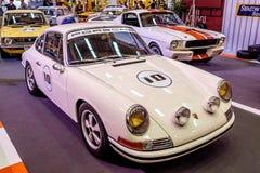 曼谷,泰国, - 2018年3月11日:葡萄酒汽车保时捷911 SWB :1966年在Seacon广场Shoppi的一个经典汽车展示会显示了 图库摄影