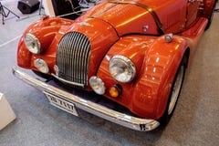 曼谷,泰国, - 2018年3月11日:葡萄酒汽车摩根8或plus8在Seacon广场购物的一个经典汽车展示会显示了 免版税库存图片