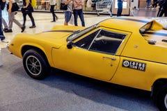 曼谷,泰国, - 2018年3月11日:葡萄酒汽车莲花欧罗巴Twincam专辑:1966-1975在S的一个经典汽车展示会显示了 免版税库存图片