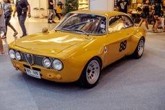 曼谷,泰国, - 2018年3月11日:葡萄酒汽车阿尔法・罗密欧1750 GTAm :1969年在Seacon广场的一个经典汽车展示会显示了 图库摄影