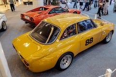 曼谷,泰国, - 2018年3月11日:葡萄酒汽车阿尔法・罗密欧1750 GTAm :1969年在Seacon广场的一个经典汽车展示会显示了 免版税库存图片