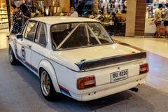 曼谷,泰国, - 2018年3月11日:葡萄酒汽车BMW 2002年涡轮:1973-1974在Seacon广场S的一个经典汽车展示会显示了 免版税库存照片
