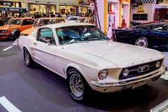 曼谷,泰国, - 2018年3月11日:葡萄酒汽车Ford Mustang谢尔比GT 500在Seacon广场的一个经典汽车展示会显示了 库存照片
